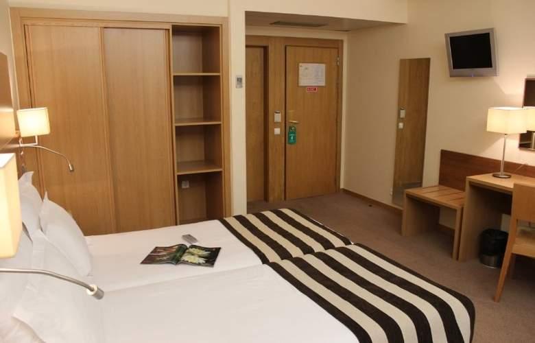 Príncipe Lisboa - Room - 9