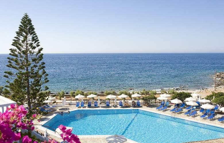 Maritimo Beach Hotel - Pool - 2