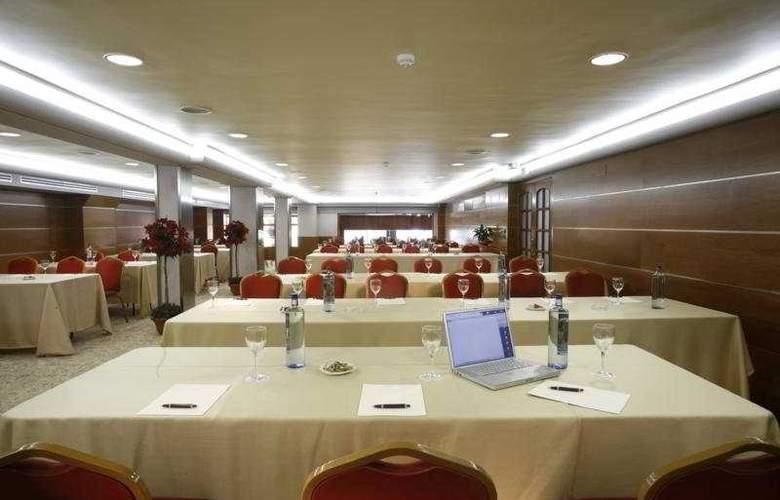 Ciudad de Vigo - Conference - 5