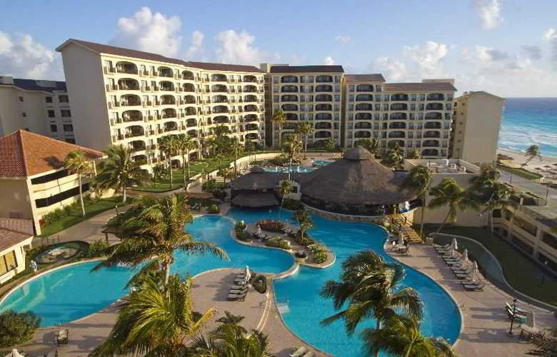 Emporio Hotel & suites Cancun - Pool - 16