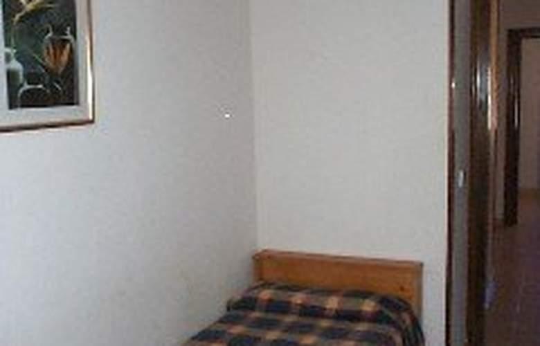 Apartamentos Los Angeles I y II - Room - 5