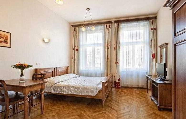 Lessertown - Room - 3