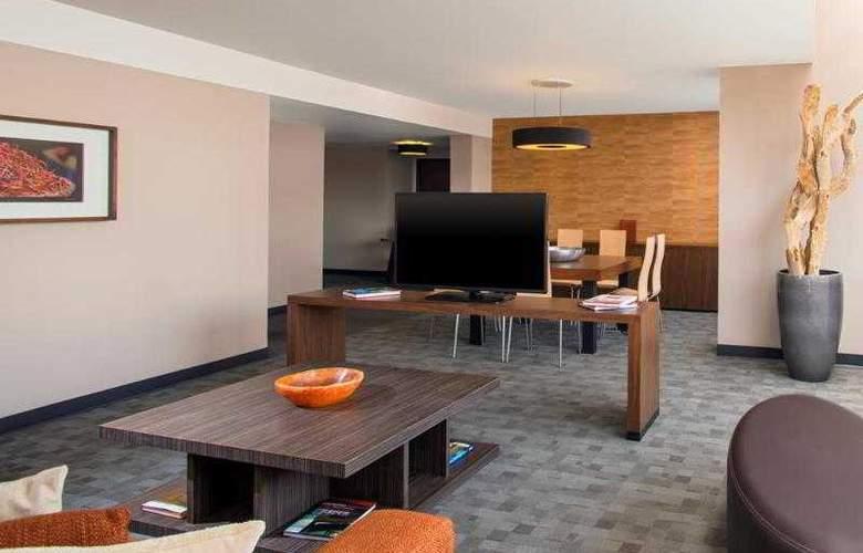 Sheraton Suites Santa Fe - Room - 23