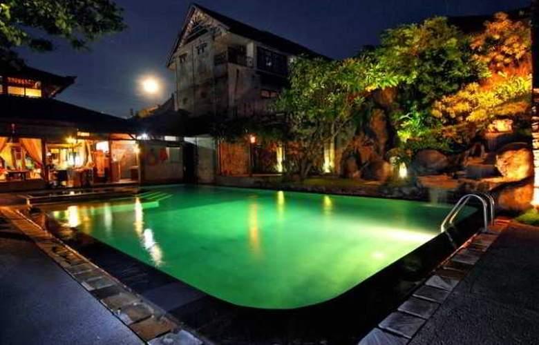Adi Dharma Cottages - Pool - 12
