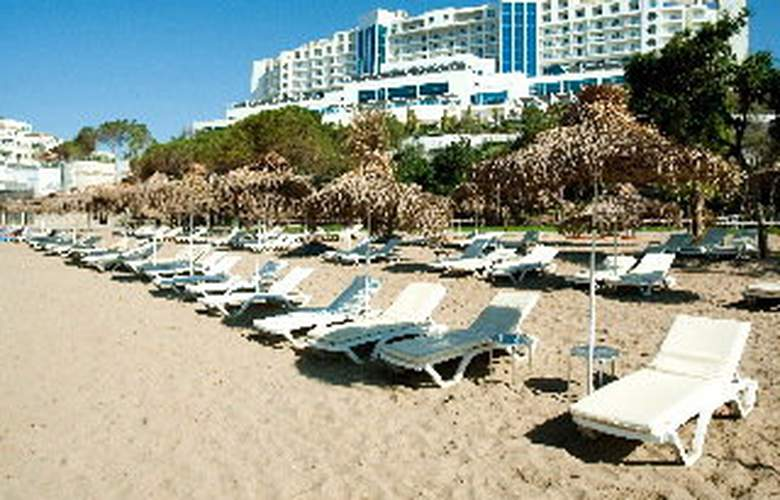 Onyria Claros Beach & Spa Resort - Beach - 6