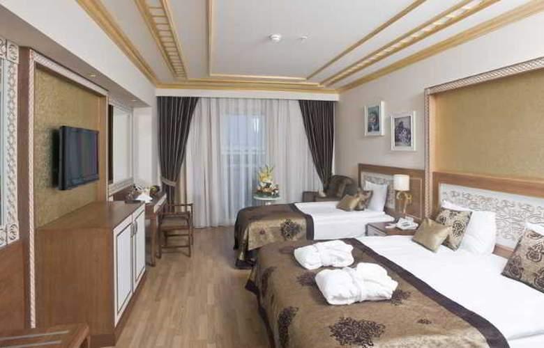 Crystal Palace Luxury Resort & Spa - Room - 12
