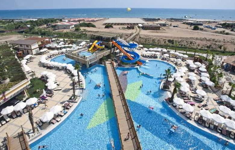 Crystal Palace Luxury Resort & Spa - Pool - 15