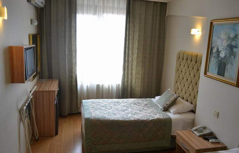 Grand Ant Hotel - Room - 9