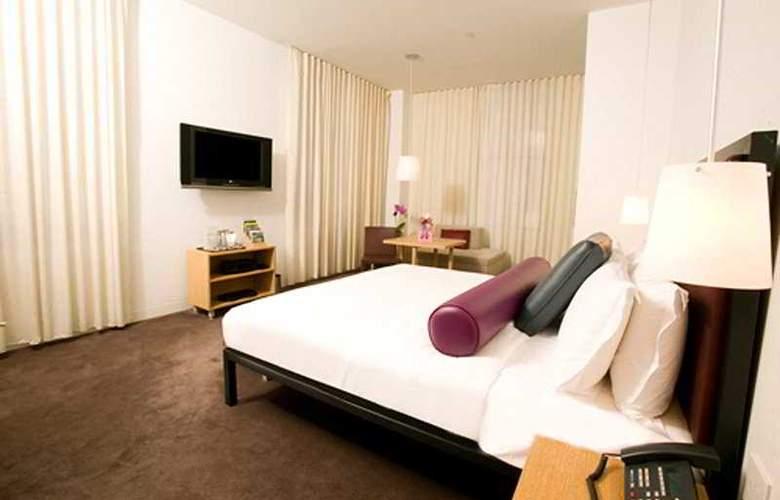 Bryant Park - Room - 2