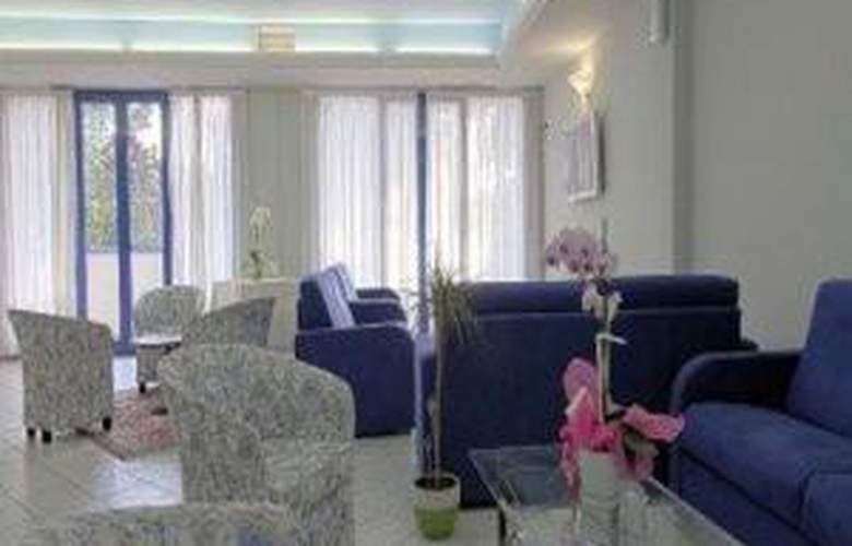 Michaela - Hotel - 1