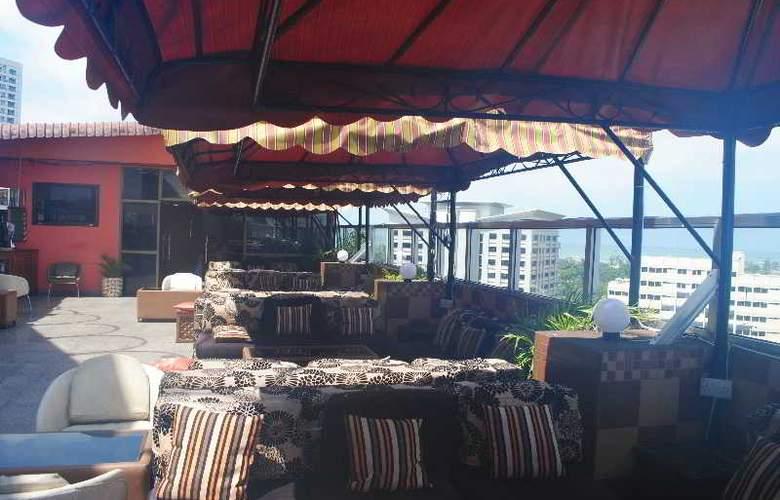 Holiday Inn Dar Es Salaam - Terrace - 17
