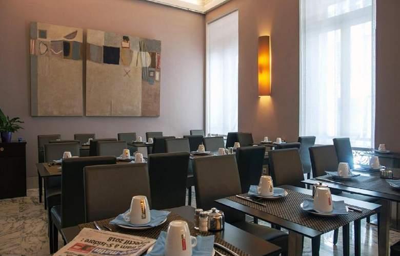 Quality Suites La Malmaison - Restaurant - 10