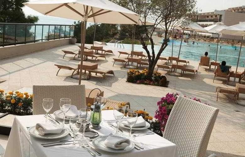 Oceania Club & Spa - Terrace - 12