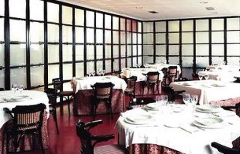 City House Torrelavega - Restaurant - 6