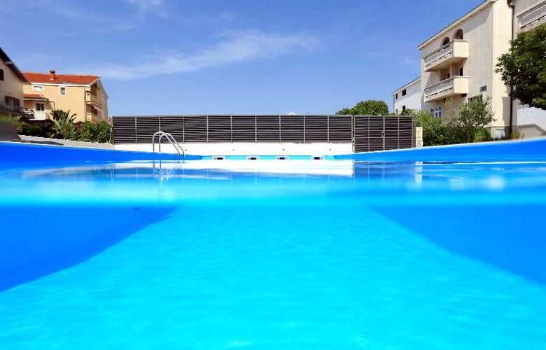 Mediteran - Pool - 7