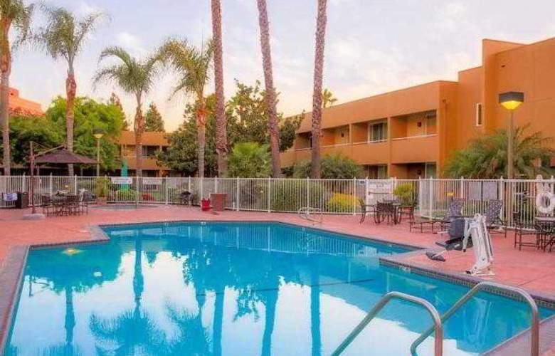 Fairfield Inn & Suites San Jose Airport - Hotel - 17