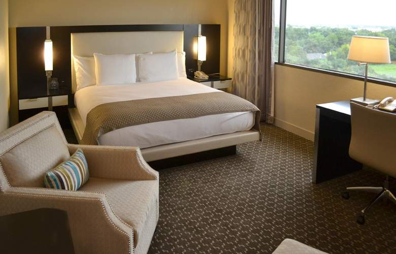 DoubleTree by Hilton Houston Hobby Airport - Room - 6