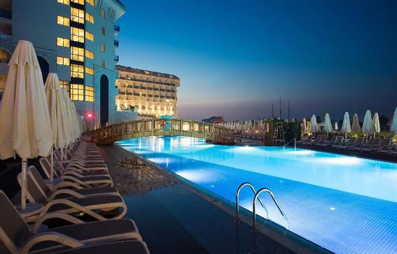 Water Side Delux Resort - Pool - 49
