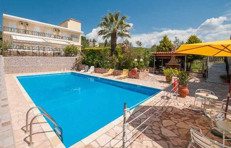 Athina - Pool - 3