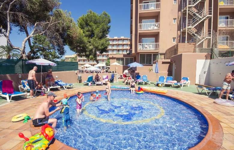 Azuline Coral Beach - Pool - 17