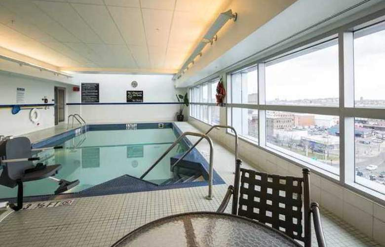 Hampton Inn & Suites Boston Crosstown Center - Hotel - 4