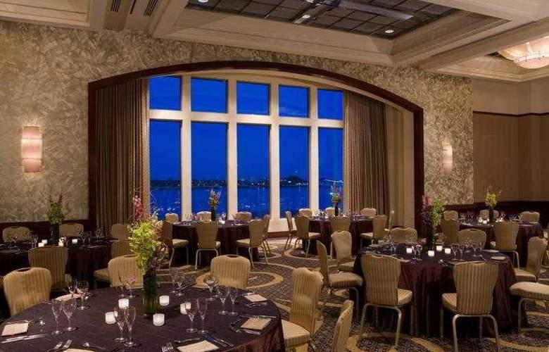 Hilton Philadelphia at Penn's Landing - Restaurant - 9