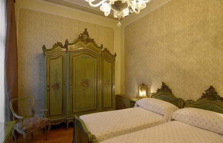 Saturnia and International - Room - 5