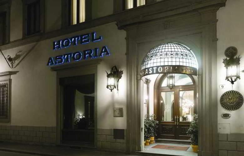 NH Collection Firenze Palazzo Gaddi - Hotel - 1