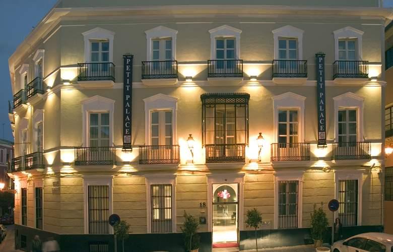Petit Palace Santa Cruz - Hotel - 0