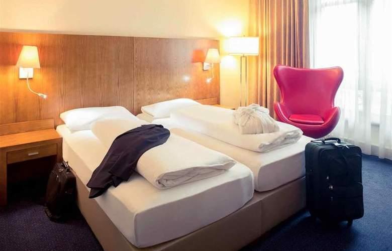 Golden Tulip Bielefeld City - Room - 1