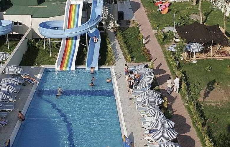 Lims Bona Dea Beach Hotel - Sport - 12