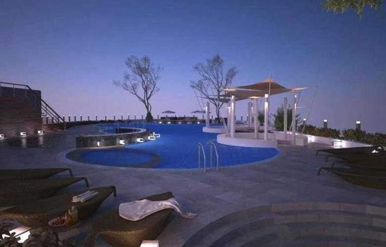 Rua Rasada Hotel & Convention Center - Pool - 8