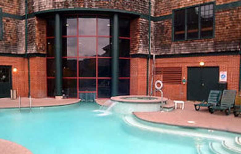 Wyndham VR Long Wharf - Pool - 8