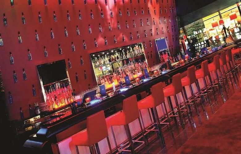 MGM Grand Hotel & Casino - Bar - 13