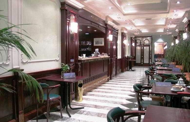 Regent - Bar - 2