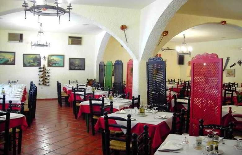 Cuevas Pedro Antonio Alarcon - Restaurant - 7