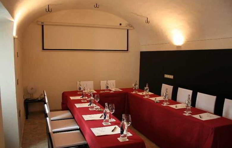 Adealba Merida - Conference - 11