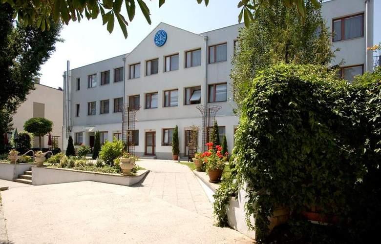 Populus - Hotel - 0