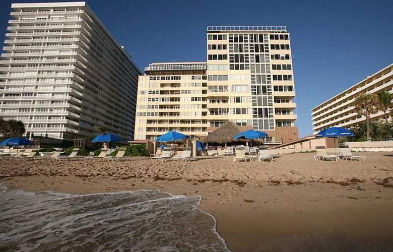 Ocean Manor Resort - Beach - 12