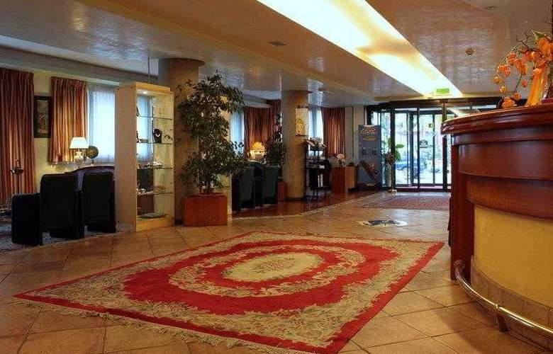 Best Western Hotel Dei Cavalieri - Hotel - 2