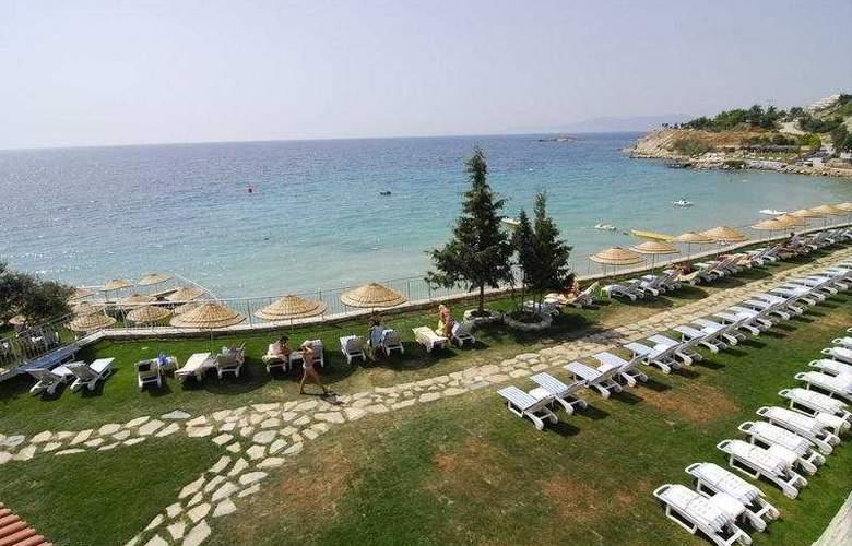 Sealight Resort Hotel - Terrace - 11