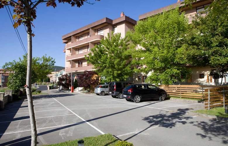 Los Arces Apartamentos - Hotel - 5