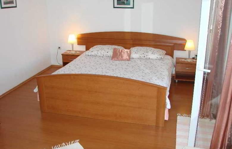Marija - Room - 6