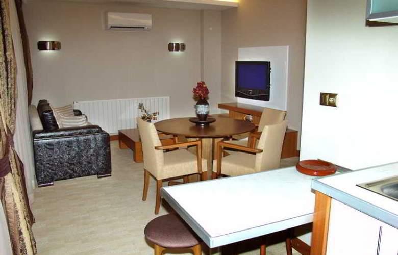 BC Hotel - Room - 2