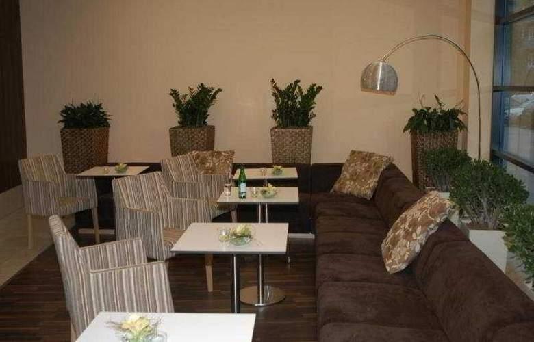 Iris Hotel Eden - Bar - 8
