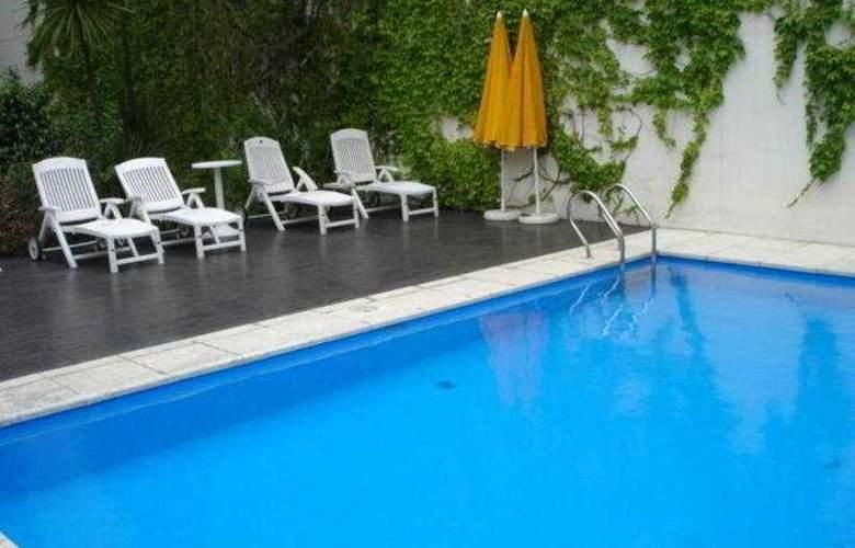Callao Plaza Suites - Pool - 7