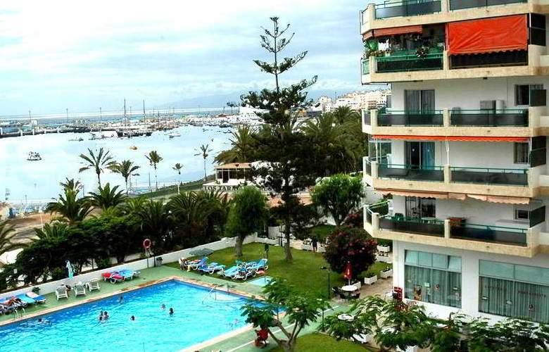 Comodoro - Hotel - 0