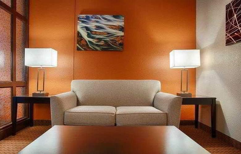 Best Western Plus Lubbock Windsor Inn - Hotel - 10