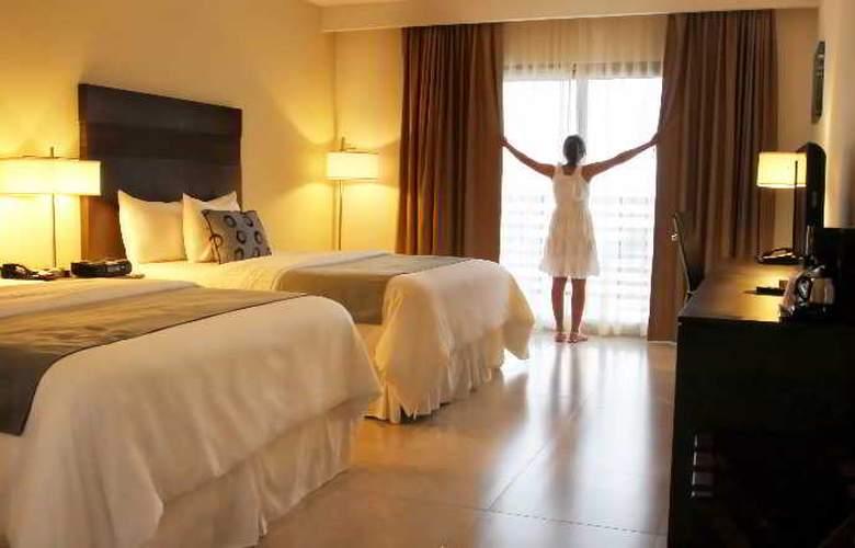 La Quinta Inn & Suites Cancun - Room - 7