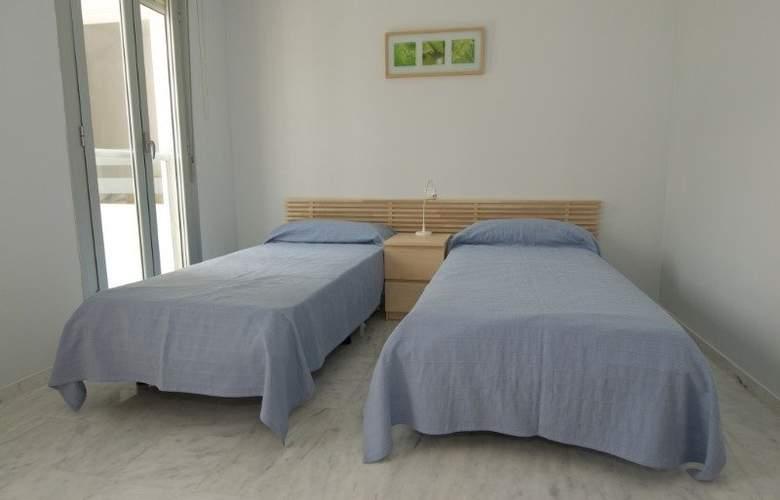 Calalucia - Room - 2